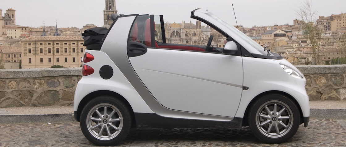 smart cabrio stadtflitzer f r warme sommertage on road. Black Bedroom Furniture Sets. Home Design Ideas